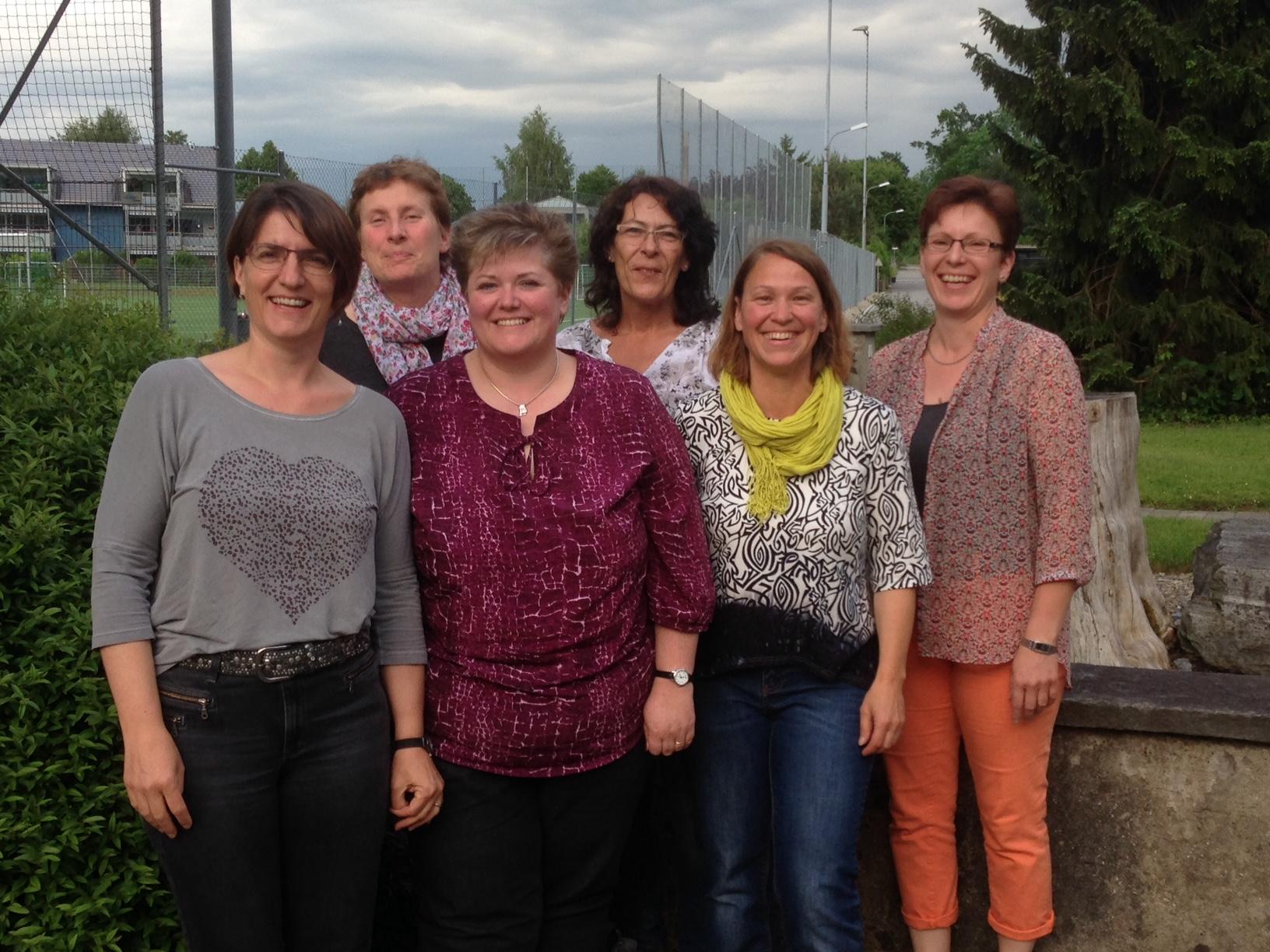 Cecile Brener, Vreni Pretali, Sandra Schümperli, Jeannette Pislor, Susanna Tanner und Antonia Keiser sind das Adventsbazar-Team.